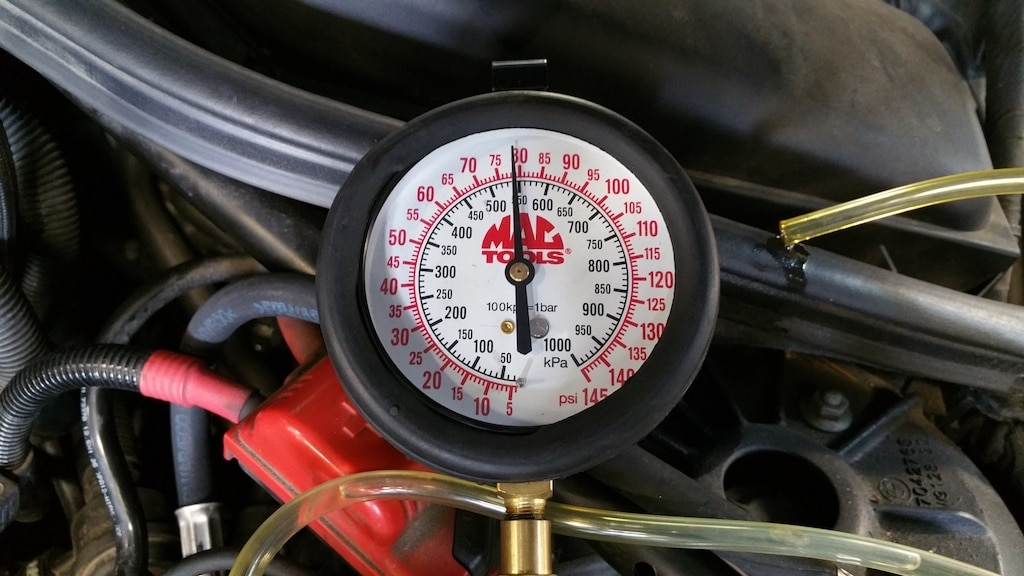 bmw e60 хорошее чтение манометра топливного насоса после ремонта