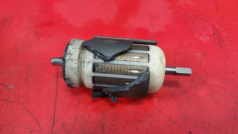 сломанный якорь в топливном насосе bmw e60